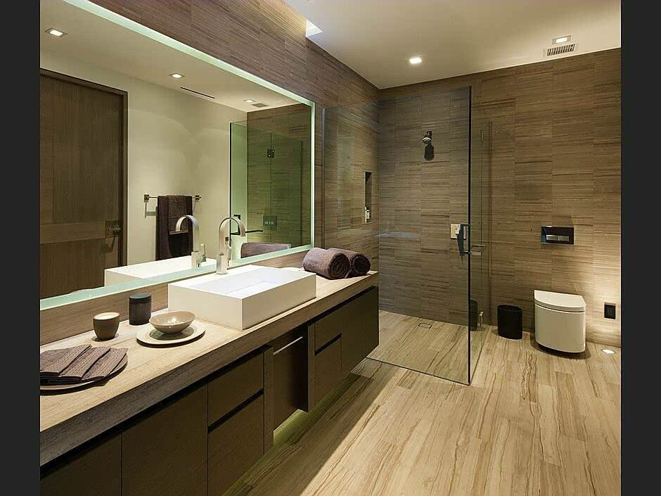 Wooden Tiled bathroom with Glass