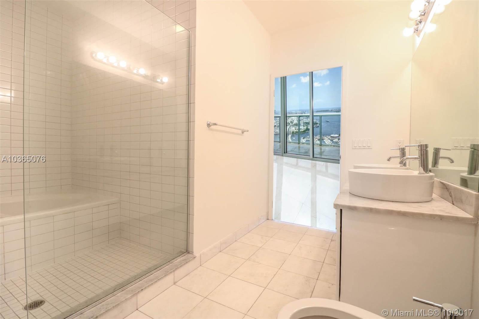 White batroom tiled