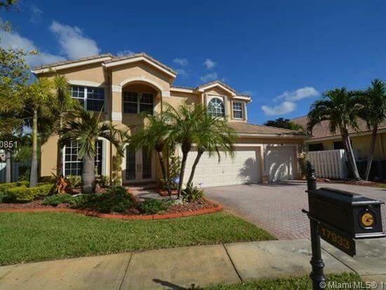 Cream mansion in Miami