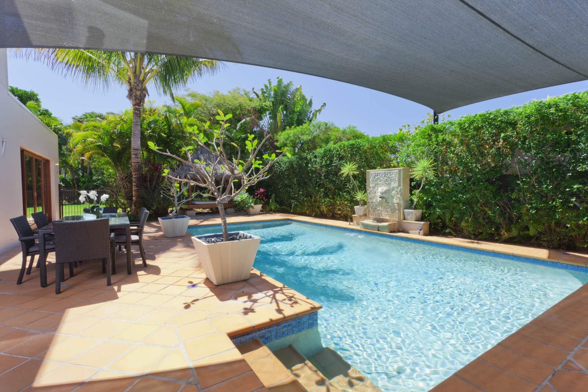 bacyard with swimming pool